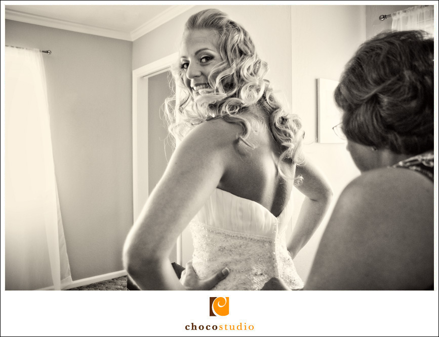 Bride preparing for the ceremony at Cinnabar Hills Club
