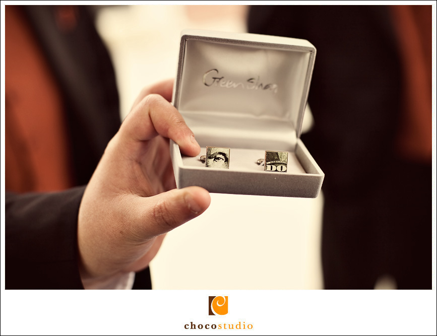 Eye Do Cufflinks for the Groom on Wedding Day