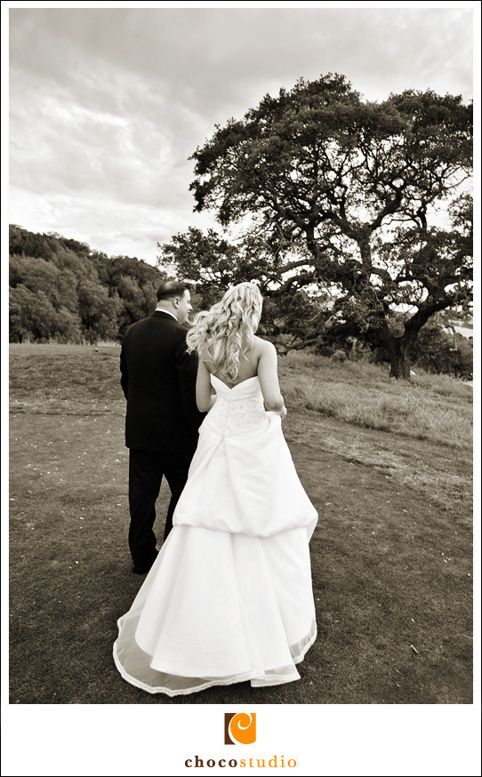 Black and White Bride and Groom Photo