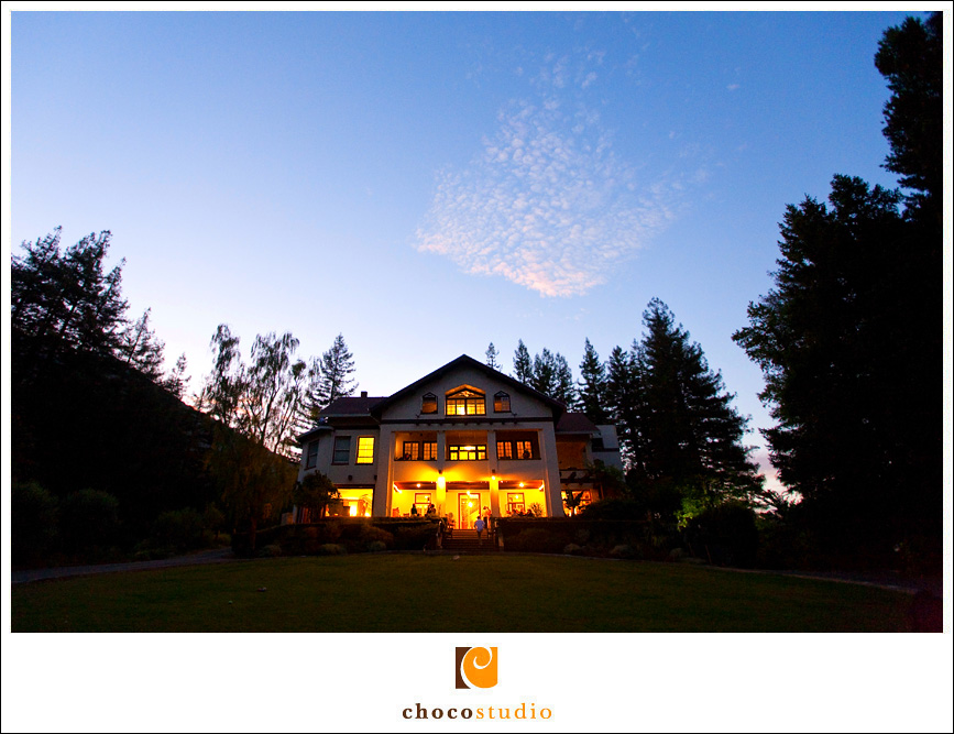 Twilight photo of a wedding at the Ralston White Retreat in Mill Valley