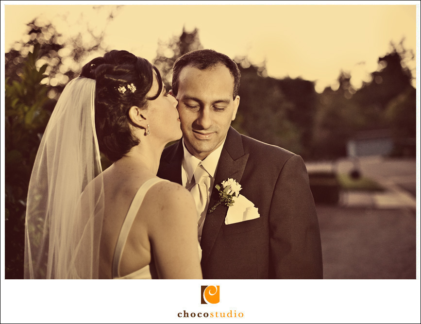Bride and Groom photo at the Hillsborough Racquet Club