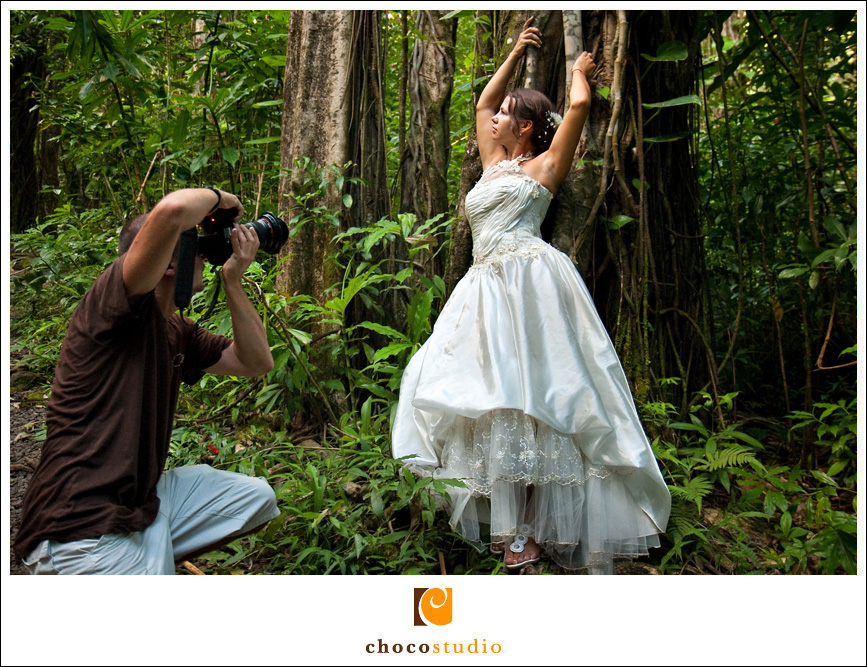 Behind the scenes of Trash the dress photo