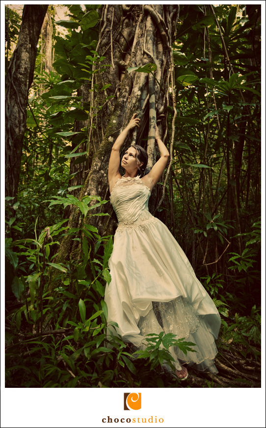 Bride in jungle trash the dress