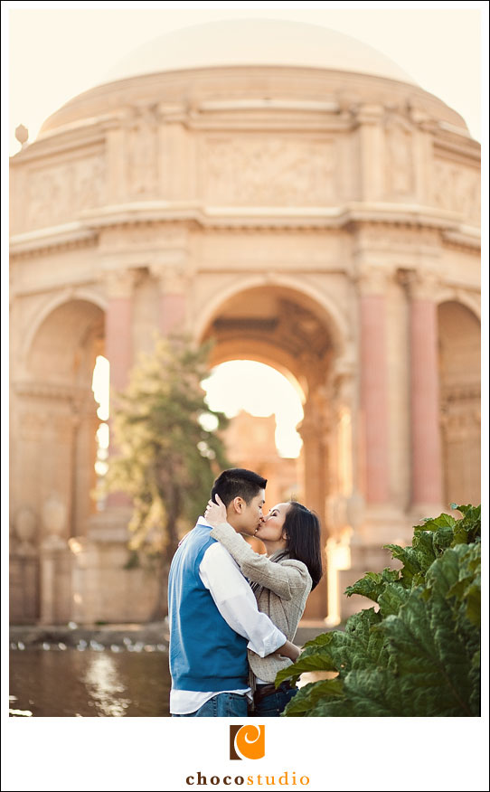 Palace_of_Fine_Arts_Engagement_Photos_02