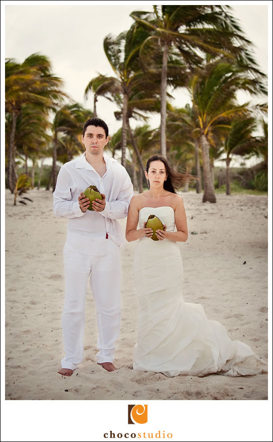 Wedding photograph of a couple on the beach in Mexico