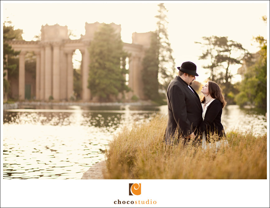 Palace of Fine Arts Engagement Photos – Laura and Joe