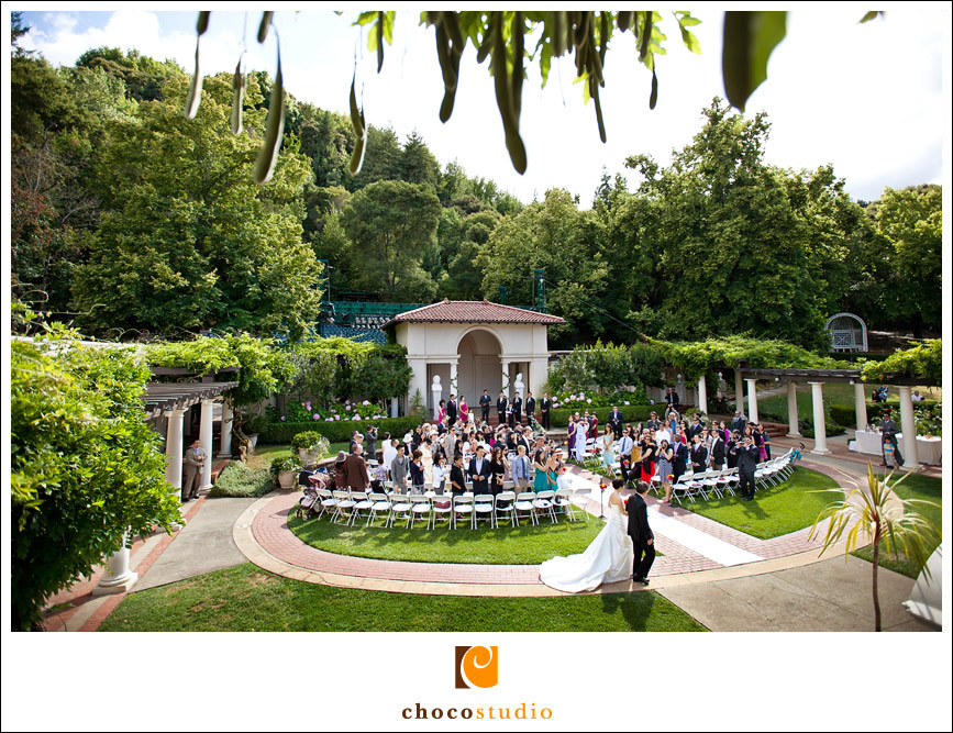 Wedding ceremony in the Oval Garden of Villa Montalvo