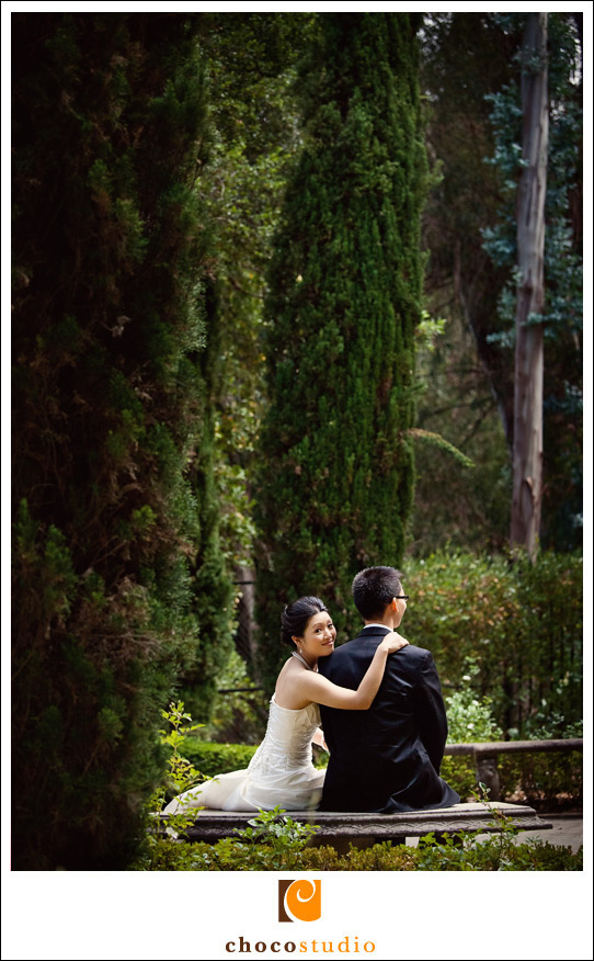 Wedding portrait in the Mediterranean Garden of Villa Montalvo