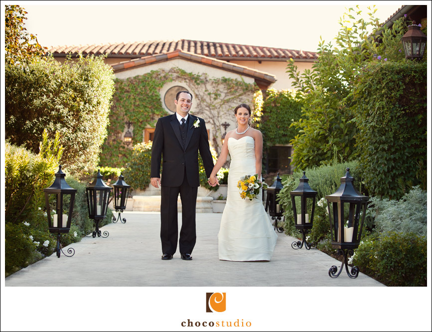 Courtyard wedding portrait at Clos LaChance Winery