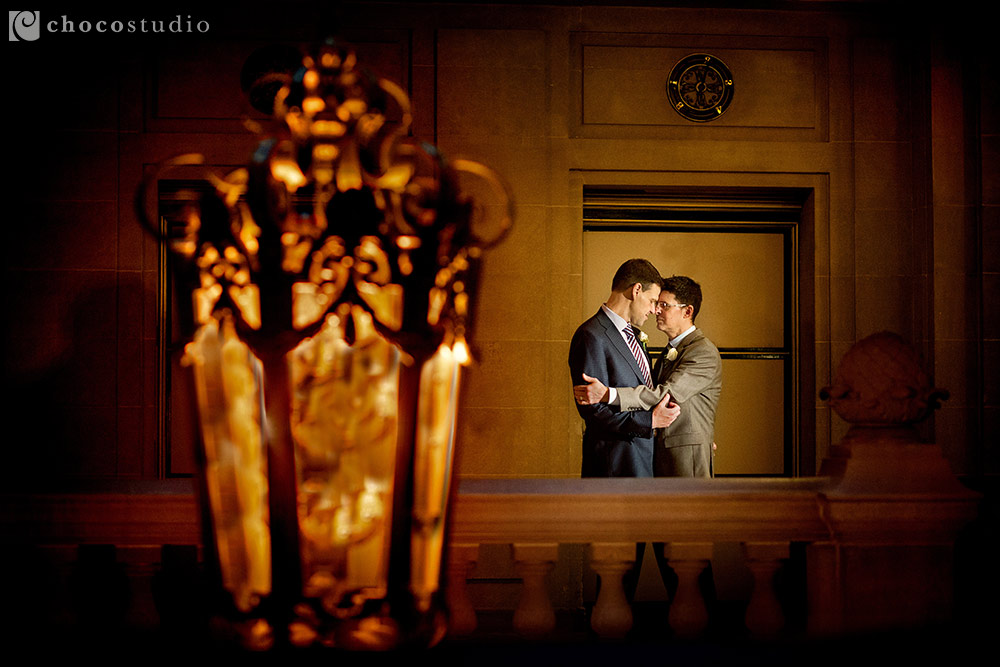 Two people in love in San Francisco City Hall