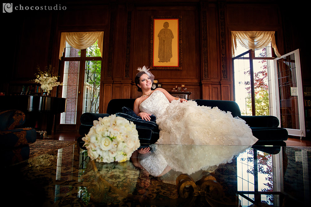 Bride in Kohl Mansion library