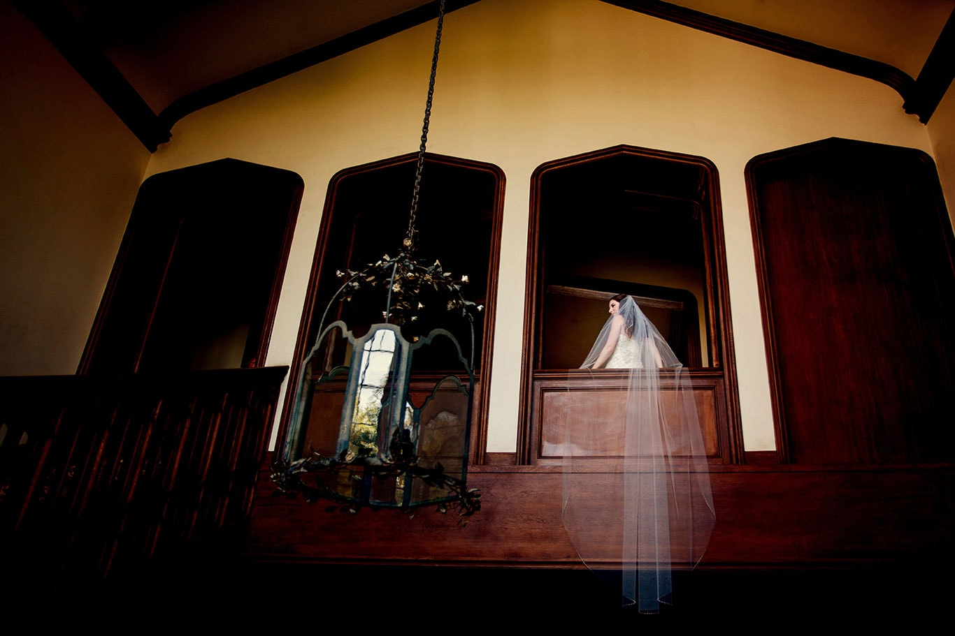 Kohl Mansion Wedding Staircase Bridal Portrait
